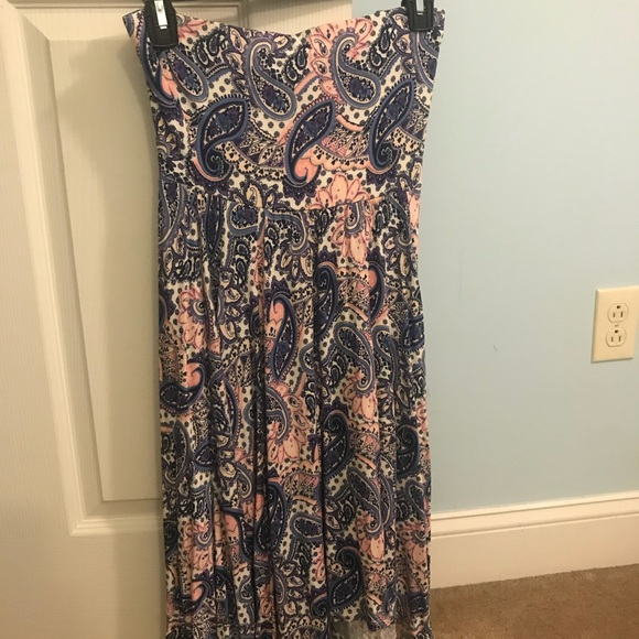 Express Dresses & Skirts - Express Paisley strapless dress